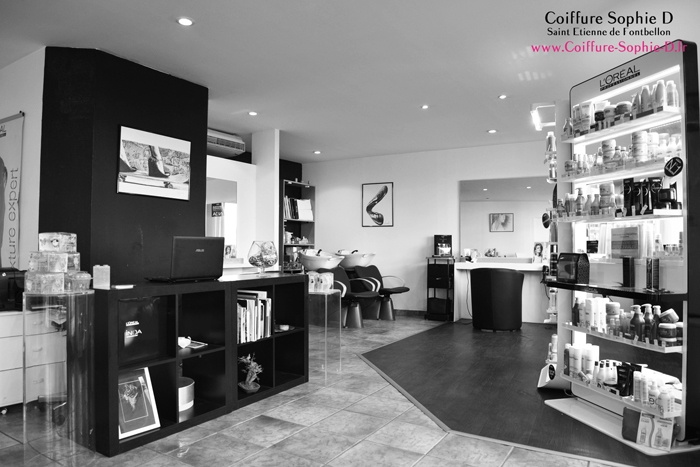 http://www.coiffure-sophie-d.fr/upload/images/accueil/photo-salon-sophie-d1.jpg